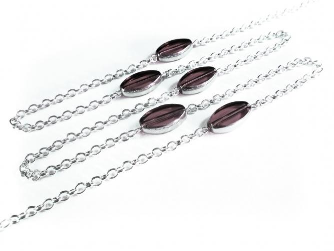 Silberfarbene Brillenkette mit lila ovalen Kristallglasperlen