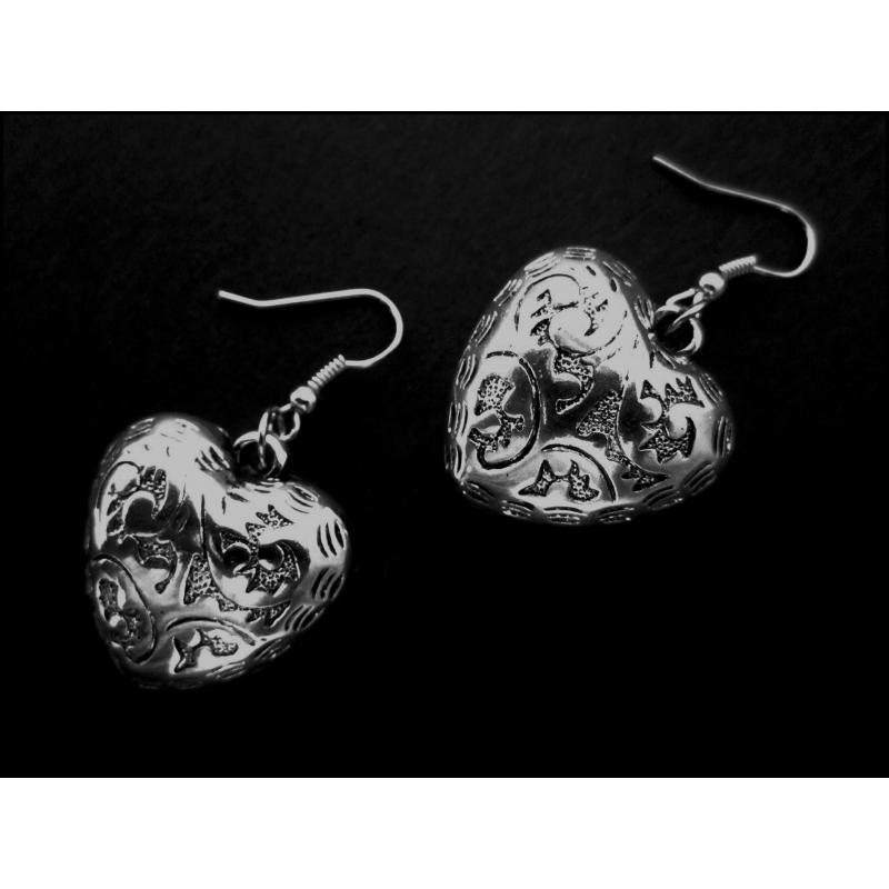 Leichte silber Herz Ohrhänger Trachtenherz Ohrringe mit filigranem Blumenmuster aus Acryl - Trachtenschmuck Dirndlschmuck