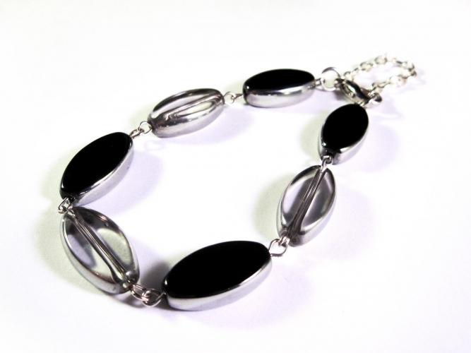 Armband mit Glasperlen in schwarz und transparent - Glasschmuck