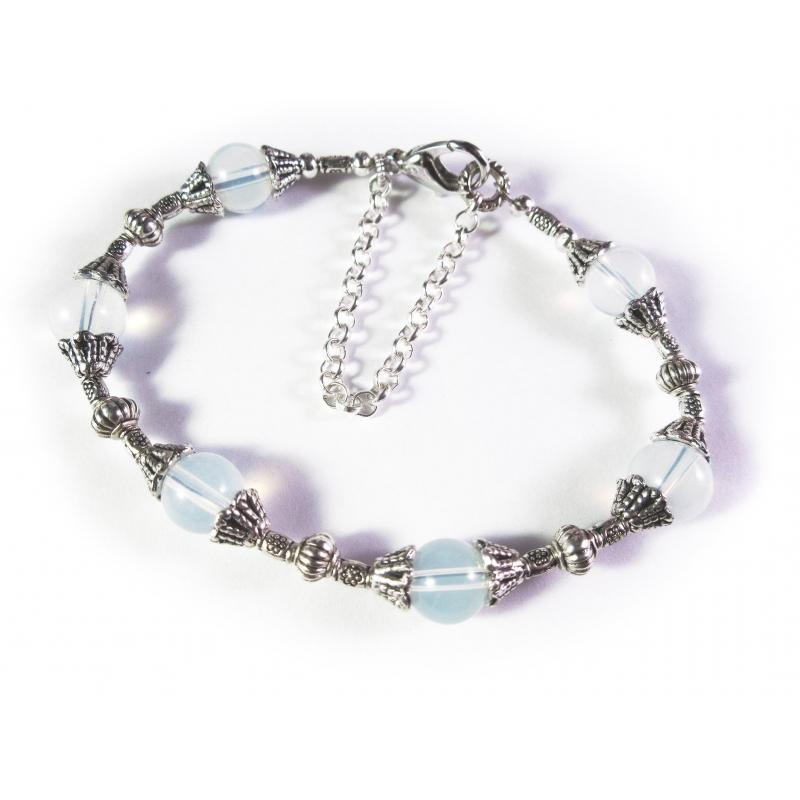 Weiß silber Armband mit Opalglasperlen und Tibetsilber - Trachtenschmuck Dirndlschmuck