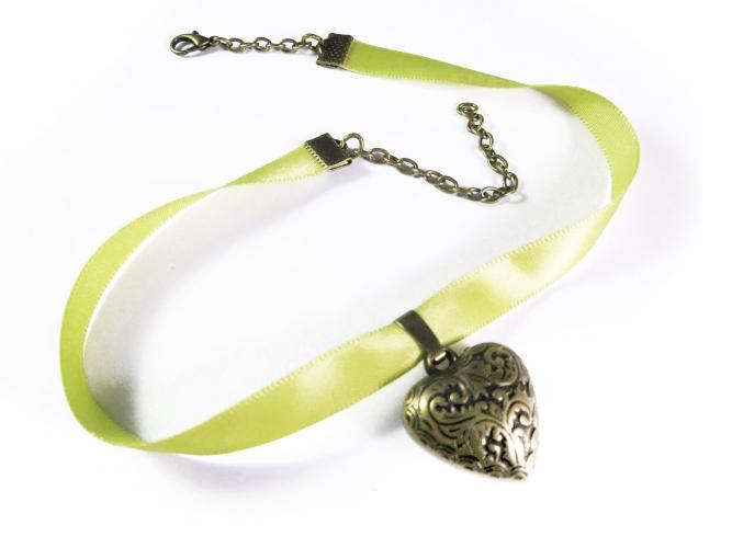 Schmales hellgrünes Halsband mit filigranem Trachtenherz in bronze - Trachtenschmuck Dirndlschmuck