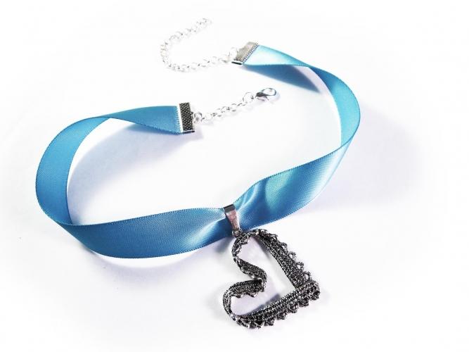 Blaues Kropfband mit filigranen Trachtenherz in silberfarben - Trachtenschmuck Dirndlschmuck