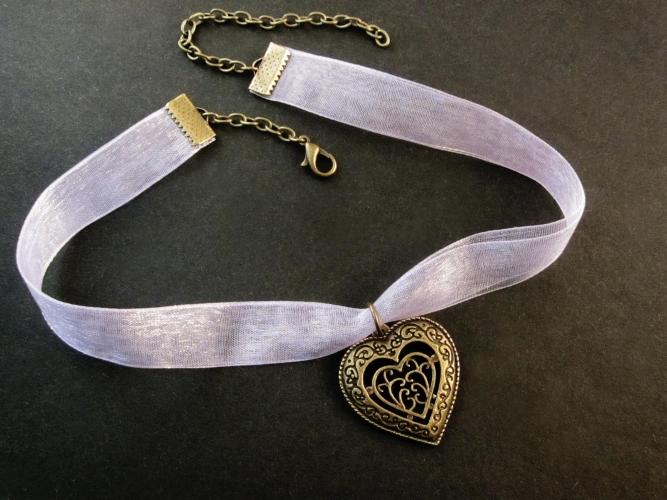 Flieder Halsband Kropfband mit bronzefarben Trachtenherz - Trachtenschmuck Dirndlschmuck