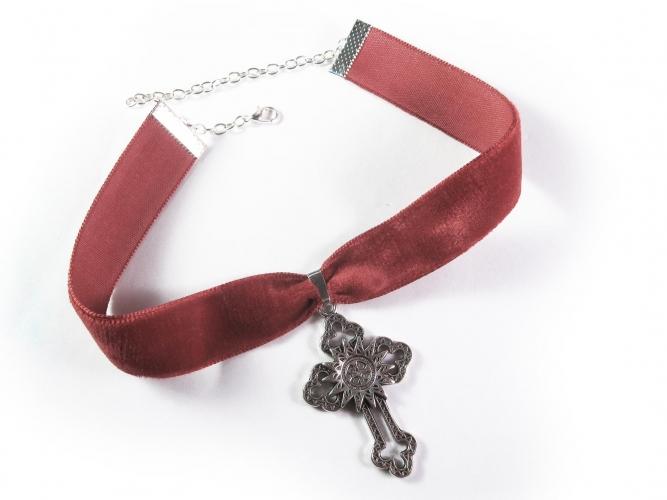 Rotes Halsband / rotes Kropfband aus Samt mit Kreuz in silberfarben - Trachtenschmuck Dirndlschmuck