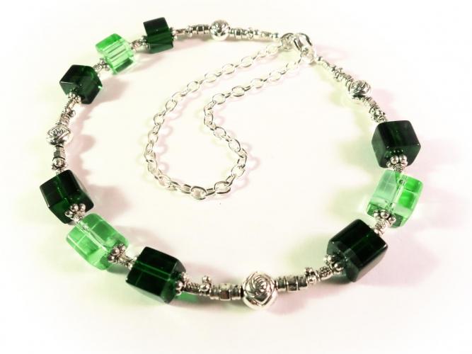 Grünes Fusskettchen 28cm mit Kristallglas und Tibetsilber - Fußkettchen als Fußschmuck