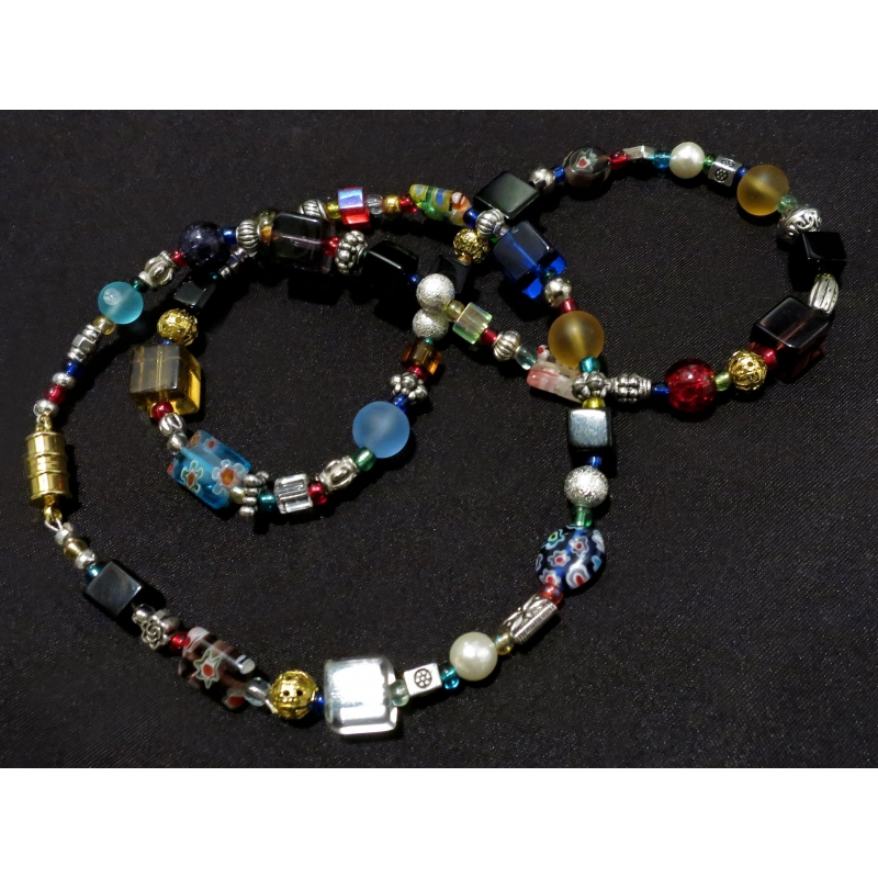 Halskette 55cm aus bunten Glasperlen und gold- und silberfarbenen Spacern UNIKAT