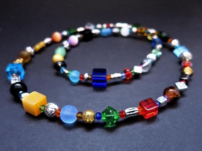 Bunte Halskette ca. 58cm aus verschiedenen Glasperlen und gold- und silberfarbenen Spacern UNIKAT - bunter Glasschmuck