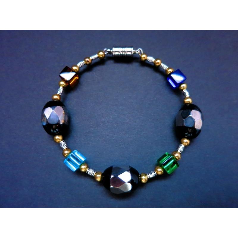 Armreif mit bunten und schwarzen Kristallperlen - bunter Glasschmuck