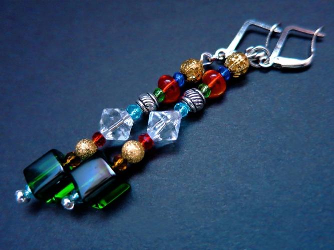 Grün bunte Ohrhänger mit bunten Glasperlen gold und silber - bunter Glasschmuck