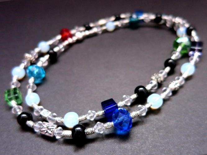 Filigrane Halskette 59cm mit farbigen Glasperlen Opalglas und Tibetsilber - Bunter Glasschmuck