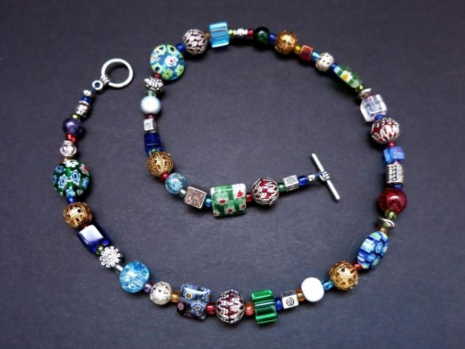 Bunte UNIKAT Halskette aus Glas- und Metallperlen - bunter Glasschmuck