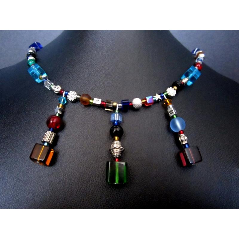 Buntes Collier aus Kristallglas und silberfarbenen Elementen UNIKAT