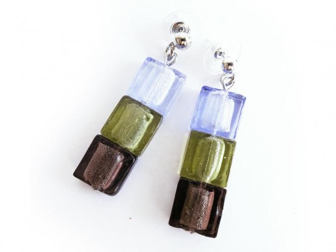 Dreifarbige Ohrringe aus Glas