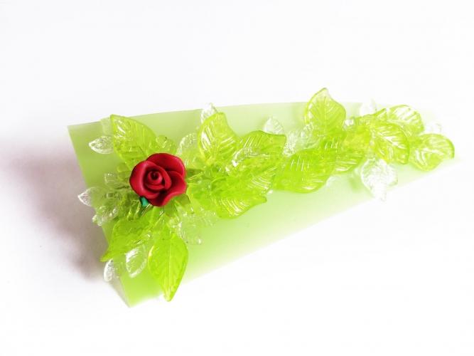 Grüne Haarspange mit kleinen Blättern und roter Rose UNIKAT - Haarspange Haarschmuck