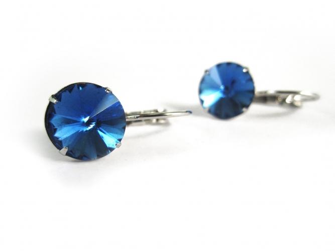 Ohrringe aus funkelndem Kristallglas als Durchzieher