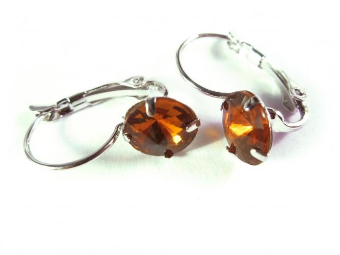 Topazfarbene Ohrringe aus funkelndem Kristallglas als Durchzieher