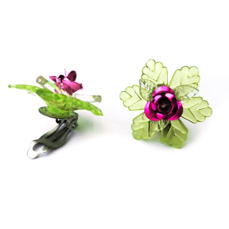 Pinke Rosen Ohrclips mit grünem Blatt Dirndl Ohrclips mit Rose - Trachtenschmuck Dirndlschmuck