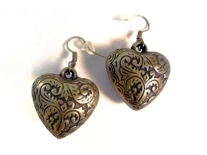 Leichte bronzefarbene Herz Ohrhänger Trachtenherz Ohrringe mit filigranem Blumenmuster aus Acryl - Trachtenschmuck Dirndlschmuck