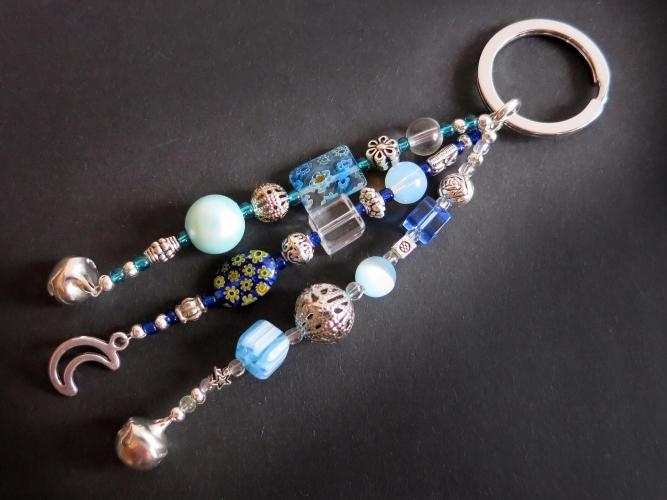 Schlüsselanhänger Comet in Blau mit Glöckchen und Mondanhänger - Schlüsselanhänger