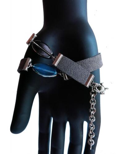 Dunkelgraues Lederarmband mit flachen Glasperlen mit Silberrand und Kunstleder - Veganes Lederarmband