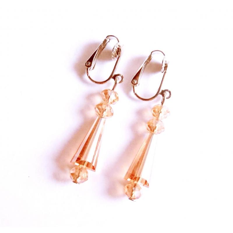 Mittellange rosaorange Ohrclips Ohrhänger aus Kristallglas mit AB-Effekt von maxmuc