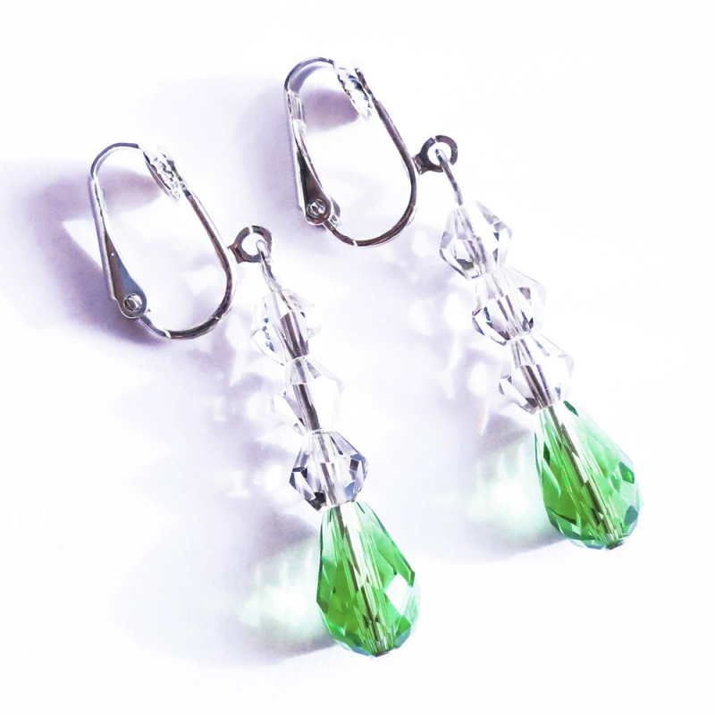 Grüne Ohrhänger / Ohrclips aus geschliffenem Glas
