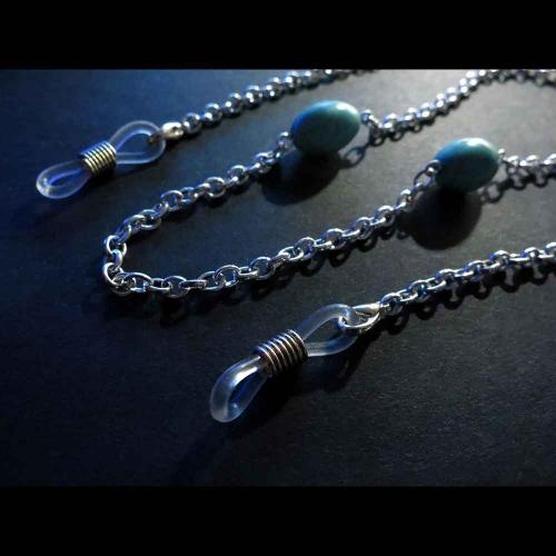 Brillenkette aus türkisfarbenen Perlen und Gliederkette - Accessoire Brillenkette