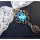 Halsband / Kropfband aus Spitze mit türkis Stein