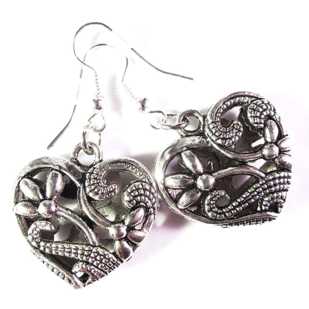 Silberfarbene Herz Ohrhänger mit Blumenmuster - Dirndlschmuck