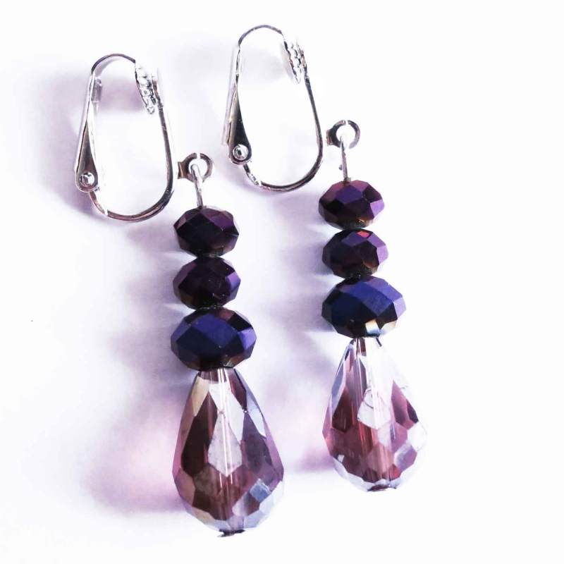 Violett Ohrhänger / Ohrclips aus geschliffenem Glas
