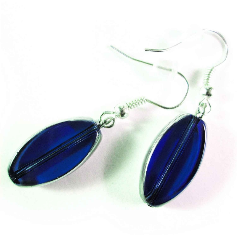 Kurze kobaltblaue Ohrhänger aus Kristallglas mit Silberrahmen - Glasschmuck