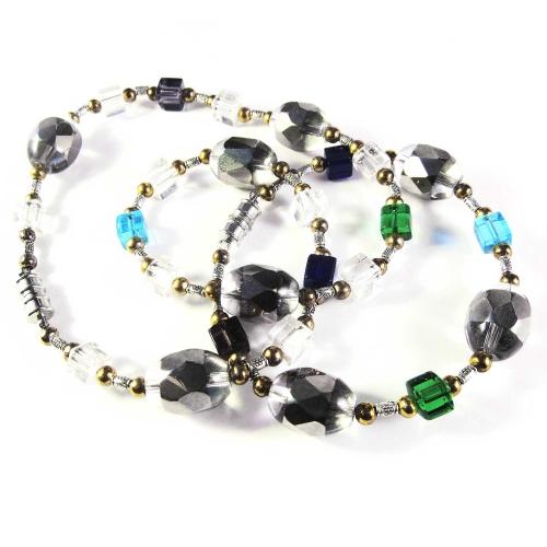 Schmuckset aus Halskette und Armreif mit farbigen Glas- und Metallperlen - Glasschmuck