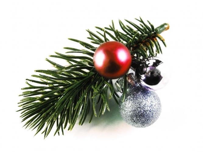 Haarspange Weihnachten mit Tannenzweig und roter Kugel - Haarschmuck