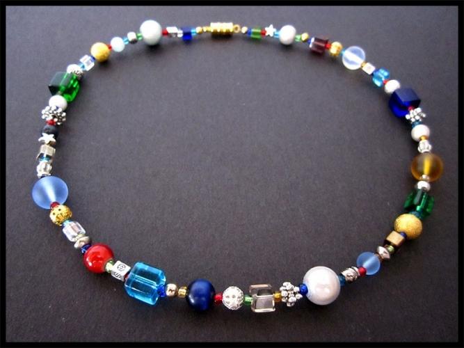 Bunte Halskette aus Glasperlen UNIKAT