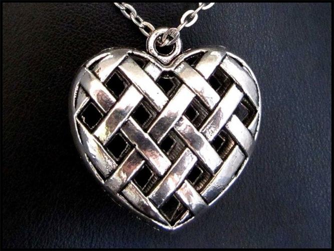 Großes Herz aus Silber an Gliederkette - Trachtenschmuck Dirndlschmuck