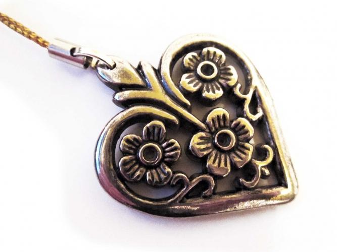 Handyanhänger Silberfarbenes Herz 3 an Goldband
