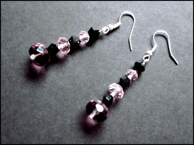 Rosa schwarze Ohrringe aus geschliffenem Glas UNIKAT