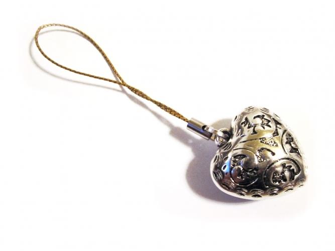 Handyanhänger Silberfarbenes Herz an Goldschnur 1