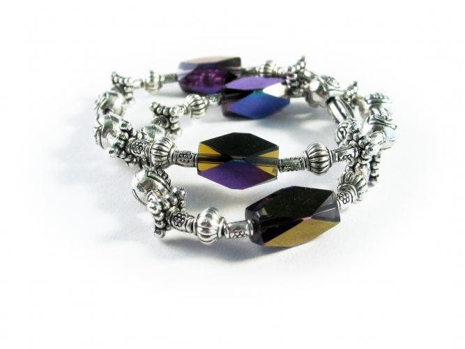 Violett silberfarbenes Fußkettchen aus Glas und Metall