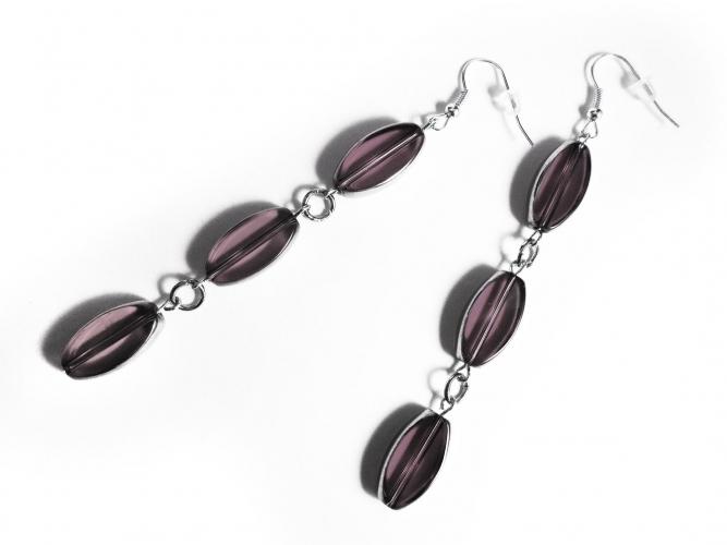 Lange lila Ohrhänger aus lila und silberfarben Glas - Glasschmuck