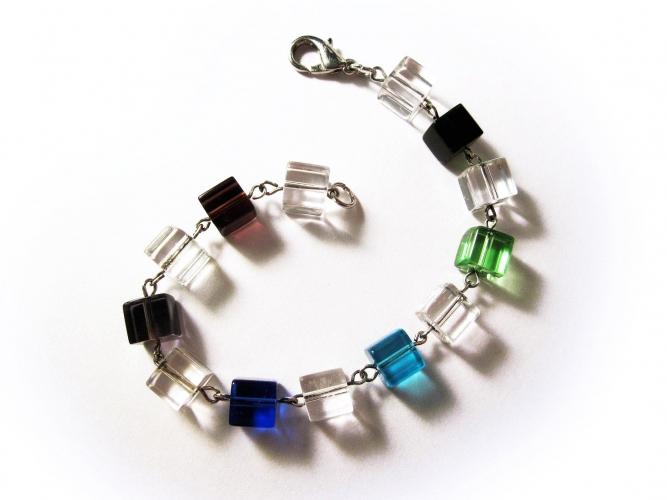 Buntes Glasarmband / Armkette mit Würfelnperlen - Glasschmuck