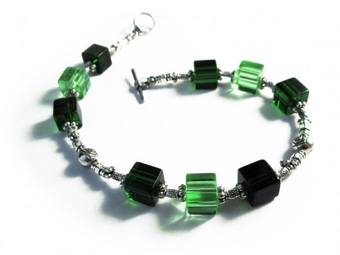 Grünes Fusskettchen mit Glas - Fußkettchen als Fußschmuck